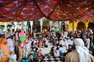 Music at the shrine of the Sufi saint Moin-ud-din Chisti