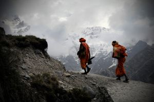 Sadhus on the trail to Kedarnath.